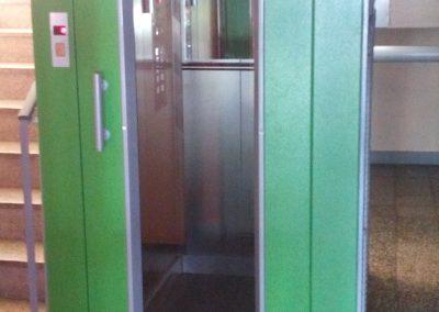 šachetní dvere